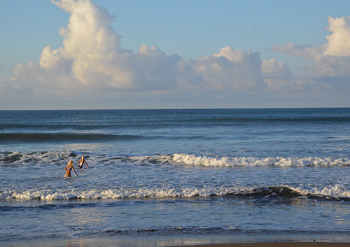 Surfers and Importance of Nutrition and Endurance