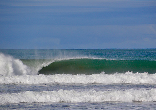 Wave in Playa Dominical in August